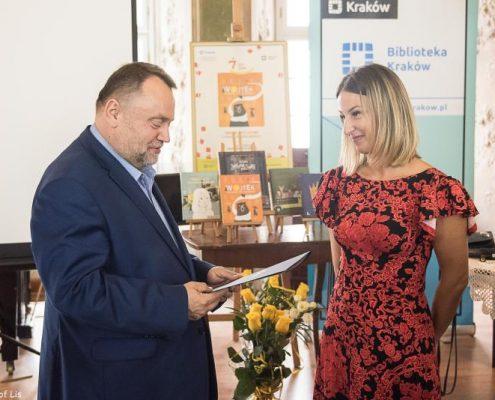 Wręczenie Nagrody Żółtej Ciżemki za książkę Wojtek. Żołnierz bez munduru Elizy Piotrowskiej Eliza Piotrowska
