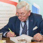 Krzysztof Płomiński na spotkaniu autorskim