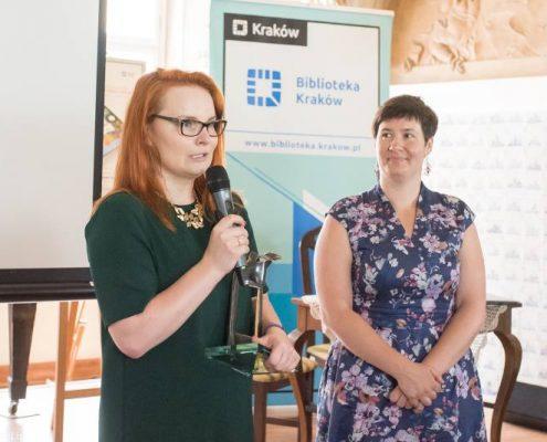 Katarzyna Maziarz i Małgorzata Zając podczas wręczenia Nagrody Żółtej Ciżemki